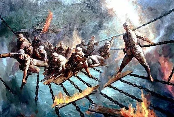 22名战士踩着13根铁索,如神兵天降,突破了大渡河天险; 军需处长把最后一件棉袄留给战士,自己却冻死在冰天雪地里; 哪怕以皮带充饥,战士们仍保持着革命乐观主义,终于挺进陕北,胜利会师。 80年过去, 我们不会忘记这举世无双的壮举, 不会忘记这人类历史上的奇迹, 更不会忘记每一位英勇无畏的红军战士 回望长征路, 不是重复过去, 而是面对今天!